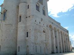 Cathedral of Trani (Damnedcat51) Tags: italy church architecture italia exterior cathedral chiesa triple puglia architettura triplo cattedrale abside apse trani absidi esteriore