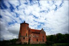 Torups Slott (*Kicki*) Tags: sky building castle clouds skåne sweden wideangle explore 24mm torup flickrexplore svedala explored närrapsenblommar