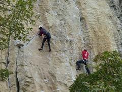 Arrampicata (Emanuele Lotti) Tags: italy mountain montagne trekking italia hiking climbing tuscany di toscana tosco pietra montagna reggiano emiliano monti appennino gruppo nei arrampicata pegaso escursionismo bismantova escursioni castelnovo