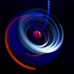 Photonenrotor #62 (Sven Grard (lichtkunstfoto.de)) Tags: lightpainting color art bulb painting lights moving nikon rotation nophotoshop lichtmalerei lightart langzeitbelichtung lapp lichtkunst longexpo sooc glpu ledlenser pholac2016