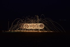 Playing at the Beach (mme1998) Tags: longexposure light metal nikon steel trails slowshutter paintingwithlight sparks steelwool d3300