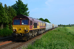 66041 6m45 barham to mountsorrel with a mixture of old and new wagons een at ashwell (I.Wright Photography over 2 million views thanks) Tags: new old with barham seen mixture mountsorrel wagons ashwell 66041 6m45