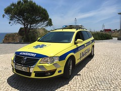 Medical Emergency Incident on the Cliffs -  Volkswagen Passat INEM Ambulance Service Rapid Response Vehicle - Praia da Rocha - Portugal. (firehouse.ie) Tags: car vw volkswagen ambulance medical vehicle emergency passat ems services emergencia notarzt ambulancia ambulanza inem rrv