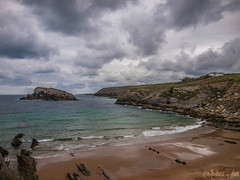 Arna (Deea) Tags: sea sky beach clouds coast mar spain olympus e3 cantabria mogro arna covachos fola