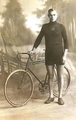 Cyclist ca. 1010 (H A T S C H I B R A T S C H I) Tags: vintage cyclist wwi 1900 1910 1915 velo fahrrad racer rennrad vintagebicycle fotographie racingbicycle fahrradfahrer waffenrad vintageracingbicycle