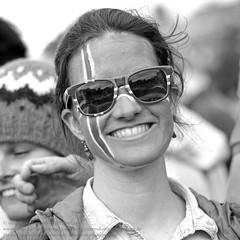 Public Viewing in Reykjavik (Agentur snapshot-photography) Tags: city party rot sport bar port island fan iceland emotion harbour euro soccer europameisterschaft reykjavik event match fans blau em hafen weiss fahne mage hu flagge uefa kneipe besucher innenstadt jubel gastronomie personen isl feiern icelandic freude publikum aussen feier fanfest fahnen aussenansicht fusball leinwand zuschauer treffpunkt emotionen publicviewing bekleidung livebertragung aussenaufnahme hfen afram fanmeile nationalfarben optimistisch islndische sportveranstaltung fernsehbertragung nationalfahne aufbauarbeiten fussballeuropameisterschaft 011600 fusballfan grossbildleinwand nationaflagge viertelfinalspiel ararholl fifaeuro2016 optimistsch vietelfinale entschung fuballfans