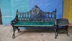 BANCA QUE USABA EL EMPERADOR MAXIMILIANO PARA DISFRUTAR UN HELADO. (SEAT THAT USED TO ENJOY THE EMPEROR MAXIMILIAN AN ICE CREAM.) (FOTOS PARA PASAR EL RATO) Tags: calle asientos