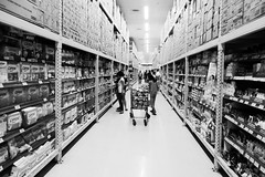 Puregold (thescenerybegins) Tags: white black makati grocery puregold