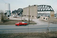 88a058: Missouri Portland Cement Terminal, Gold Proof Terminal, Big Four Bridge (Bill Alden) Tags: usa river unitedstates kentucky silo louisville grainelevator ohioriver lafarge riverroad bigfourbridge goldproofterminal missouriportlandcement