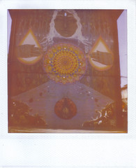 Graffiti - Abuso (hikaru86) Tags: chile santiago slr vintage project polaroid sx70 graffiti stencil mural arte jordan cielo instant abierto 690 70 86 680 sepulveda impossible hikaru sx cámara callejero instantanea hikaru86 jordansepulvedalazo
