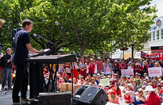National Day of Climate Action - part 1 (screenstreet) Tags: civic protests politicalrallies colorefexpro garemaplace nationaldayofclimateaction nikon1v1 nikonv1