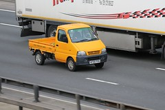 Super Carry Pick-Up (kenjonbro) Tags: 2005 uk england yellow stone canon kent suzuki dartford dartfordtunnel a282 thebrent supercarry worldcars dartfordrivercrossing kenjonbro canoneos5dmkiii canonef70200mm128l1siiusm keepingbritaingreenandtidy kf05ffn