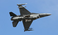 USAF General Dynamics F-16C Block 25F Fighting Falcon 85-1425 (ChrisK48) Tags: block25f cn5c205 fightingfalcon generaldynamicsf16c usaf851425 glendaleaz kluf lukeafb 62ndfightersquadron viper aircraft airplane luf f16 spike spikewardawgs fighting62nd