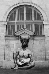 Levalet_0640 rue des Hospitalires Saint Gervais Paris 04 (meuh1246) Tags: streetart paris animaux paris04 taureau minotaure ruedeshospitaliressaintgervais levalet