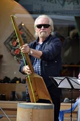 italy white man sunglasses beard italia band fair player emilia uomo musical orchestra instrument bo bianca eyeglasses festa barba emiliaromagna occhiali tartufo vergato 2013 suonatore antoniotrogu