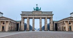 Brandenburger Tor without people #berlin #brandenburgertor... (munichz) Tags: berlin canon germany nopeople brandenburgertor tamron earlybird canonphotos canonphotography withoutpeople uploaded:by=flickstagram canonofficial instagram:venuename=berlin2cgermany instagram:venue=213131048 instagram:photo=121390092394497887632169241 munichz