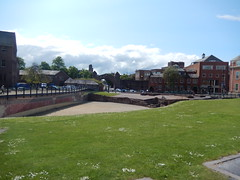 Amphitheatre, 2016 May 23 (Dunnock_D) Tags: uk blue england sky white green grass clouds unitedkingdom britain amphitheatre chester citywalls walls newgate pepperstreet peppergate