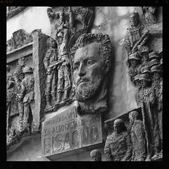 Bisagno - particolare (GiannLui) Tags: monumento genova resistenza bronzo bassorilievo partigiano rovegno bisagno bronzeo nicolaneonato aldogastaldi