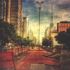 Avenida Paulista (rvcroffi) Tags: street city cidade urban buildings downtown cityscape afternoon sopaulo centro hdr tarde prdios metropole avenidapaulista antenas concreto paulistaavenue ciclovia construo ciclofaixa mextures