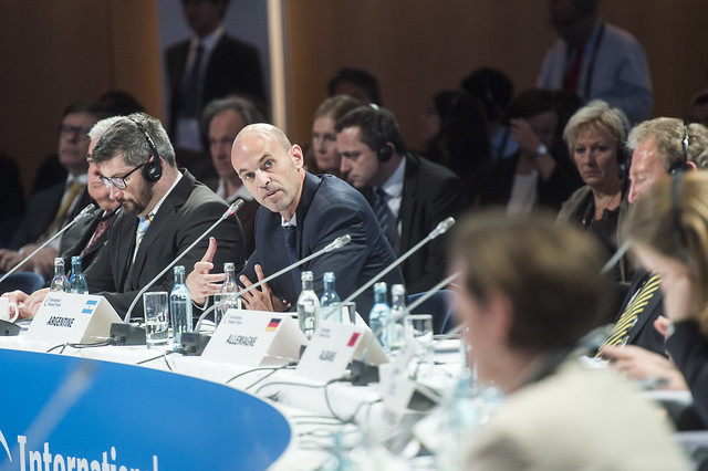 Guillermo Dietrich addresses the ministers