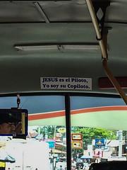 """En route pour Tortuguero: """"Jésus est le pilote, Je suis son copilote."""" <a style=""""margin-left:10px; font-size:0.8em;"""" href=""""http://www.flickr.com/photos/127723101@N04/27120825265/"""" target=""""_blank"""">@flickr</a>"""