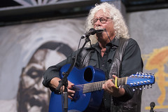 Arlo Guthrie (Zach Brien) Tags: folk neworleans blues jazzfest folkmusic neworleansjazzandheritagefestival arloguthrie bluestent