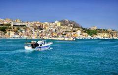 DSC_0070 (poio.nico21) Tags: panorama landscape boat mare sicily paesaggio