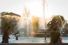 Philadelphia May 2016 AN 062 (amandatanguyen) Tags: city sunset summer urban playing philadelphia water fountain children downtown pennsylvania penn winner philly citycenter upenn urbam