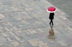 Ljubljana (Yann OG) Tags: reflection castle rain umbrella pluie reflet slovenia ljubljana slovenija grad château parapluie slovénie carniole