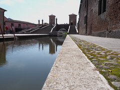 Comacchio_12_1240_HiRes (Dubliner_900) Tags: bridge reflections streetphotography olympus ponte hires riflessi emiliaromagna comacchio micro43 omdem5markii mzuikodigitaled1240mm128pro
