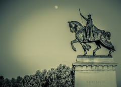 St. Louis Forest Park (Michael Shoop) Tags: blackandwhite bw statue stlouis saintlouis forestpark kinglouisix stlouisartmuseum michaelshoop