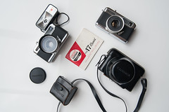 Yashica Half 17 & Half 17 EE Rapid (PaulHoo) Tags: camera japan vintage gear nostalgic 17 halfframe product rapid yashica ee