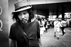 tokyo street (harumichi otani) Tags: street leica blackandwhite bw monochrome tokyo blackwhite 28mm shibuya streetphotography streetphoto summilux bwphotography
