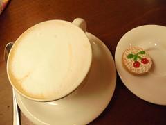 008 (en-ri) Tags: bar sony cappuccino biscottino ciliegine sonysti
