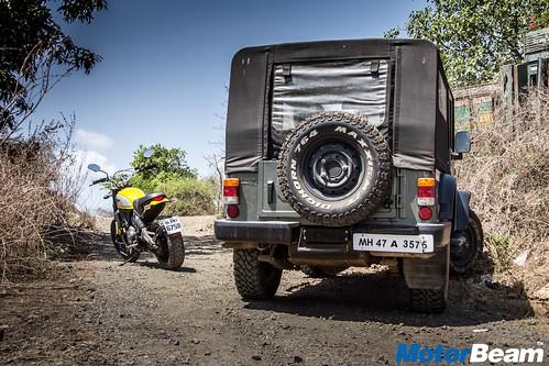 Ducati-Scrambler-vs-Mahindra-Thar-16