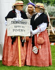 Large G&Ts all round, is it? (Graham  Sodhachin) Tags: victorian broadstairs dickensfestival 2016