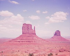 Monument Valley (Stabbur's Master) Tags: west utah butte monumentvalley navajotribalpark monumentvalleynavajotribalpark westernusa westmitten westernus eastmitten