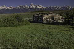 IMG_0294 (lindabonskowski) Tags: mountains west landscape log cabin logcabin wyoming grandtetons teton