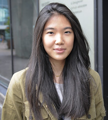 Streetshot The Hague (Mary Berkhout) Tags: portrait girl asian denhaag portret thehague streetshot maryberkhout portraitwithambientlight