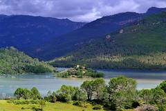 Lago y Castillo Cazorla (Zearil) Tags: espaa lake green water lago spain pantano jaen mirador cazorla tranco