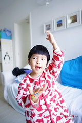 DSC02295 (Shun Daddy) Tags: life family baby cute zeiss hongkong prime funny sony snapshot wide carl laugh 24mm fullframe  za  ff  distagon   2013  a99 distagont224