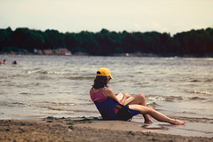 Reading (Gabriela Tulian) Tags: trees sea vacation lake relaxation enjoying girlreading paysajesummerhat