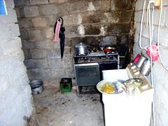 "Die Küche einer Flüchtlingsfamilie • <a style=""font-size:0.8em;"" href=""http://www.flickr.com/photos/65713616@N03/9309168672/"" target=""_blank"">View on Flickr</a>"