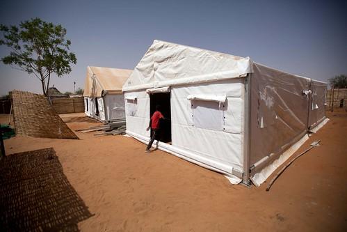 UNAMID builds a temporary clinic in Zam Zam
