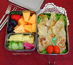 Samosas Bento (sherimiya ) Tags: school tomato lunch kid healthy corn strawberry cucumber sheri delicious lettuce homemade bento onion pickled grape samosas cantaloupe obento sherimiya ecolunchbox