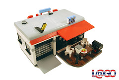 Hot Rod Clubhouse 1 (L@go) Tags: lego garage workshop hotrod clubhouse redux moc 6561