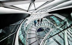 Three Explorers (Sean Batten) Tags: city england urban london glass architecture spiral nikon unitedkingdom cityhall steel steps d800 londonassembly openhouselondon 1424