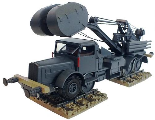 Wespe Faun L900 gru 10 ton. 1-48 (1)