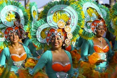 Carnival Isla Mujeres 2014 (withUibelong) Tags: carnival orange 3 mexico three costume teal parade carnaval jewels islamujeres 2014