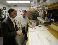 02-28-2014 Governor Bentley takes Road to Economic Recovery Tour to Florence